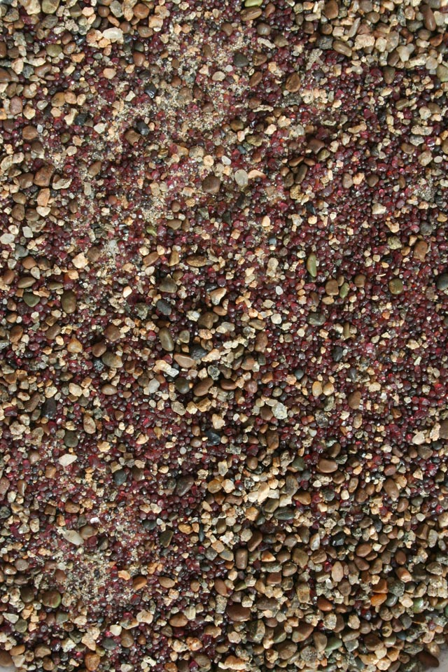 Sand rich in garnets ('fayrous') found in a seasonal stream bed of the Nile, said by local people to be a sign that deposits contain gold (photo #6520).