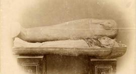 View of unwrapped mummy of king Ahmose I