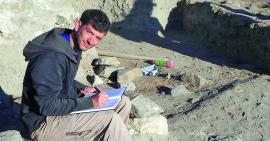 A student excavating at Chadir Hoyuk
