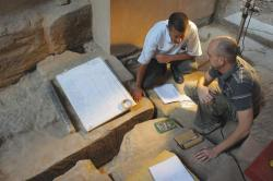 Krisztián Vértes and Inspector Fawzi Okhail discussing a tracing at Khonsu Tempe.  Photo by Ray Johnson