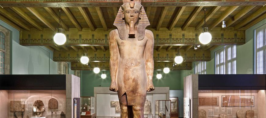 Colossal statue of king Tutankhamun, OIM E14088