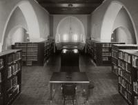 Old Chicago House Library 2914-1930_0.jpg